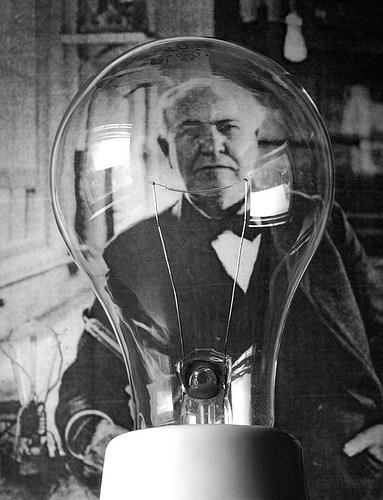 Thomas Edison- becul cu filament
